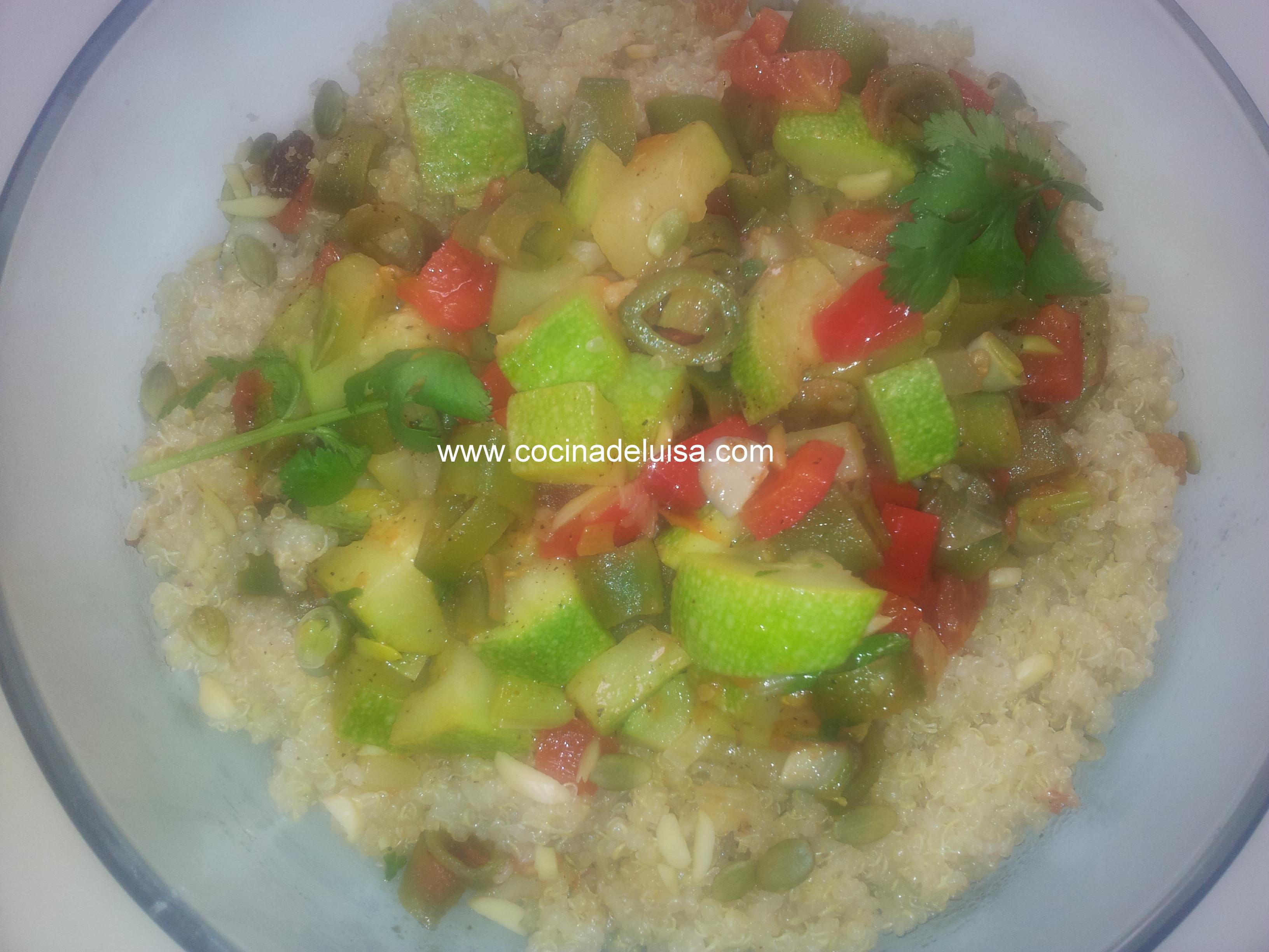 Ensalada templada de quinoa con verduras cocina de luisa for Cocina quinoa con verduras